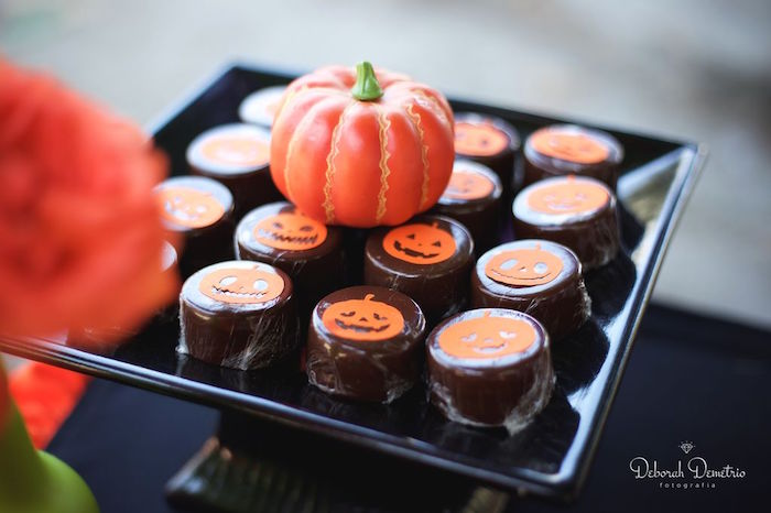 Pumpkin Oreos from an Orange + Purple & Black Halloween Party on Kara's Party Ideas | KarasPartyIdeas.com (35)