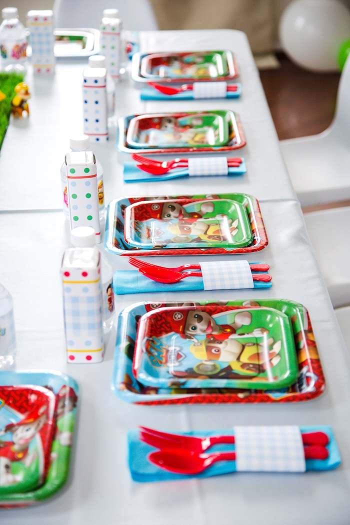 Place settings from a Paw Patrol Birthday Party on Kara's Party Ideas | KarasPartyIdeas.com (10)