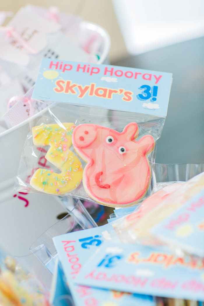 Cookie favor pack from a Peppa Pig Birthday Party on Kara's Party Ideas | KarasPartyIdeas.com (41)