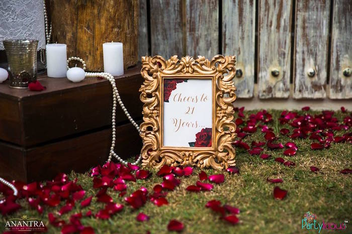 Kara 39 s party ideas rustic vintage 21st birthday party for 21st birthday decoration ideas