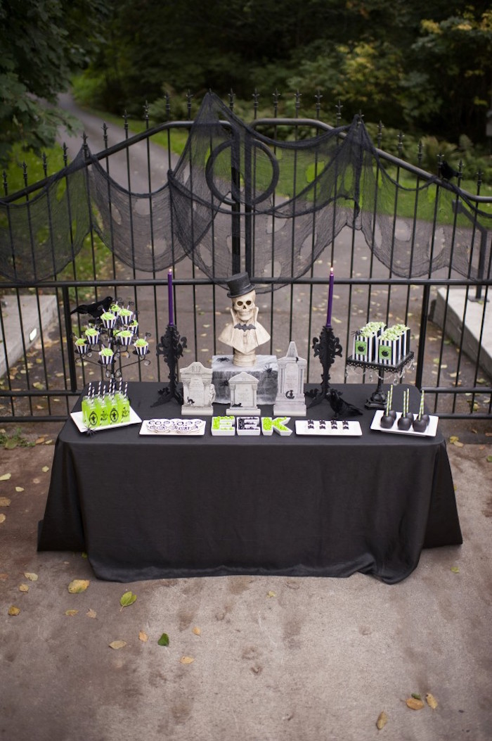 Spooktacular Halloween Party via Kara's Party Ideas | KarasPartyIdeas.com (7)