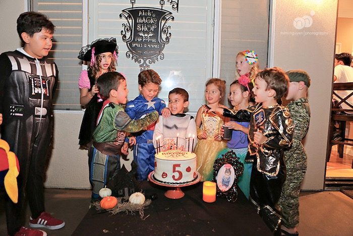 spooky halloween inspired birthday party on karas party ideas karaspartyideascom 5 - Halloween Social Ideas