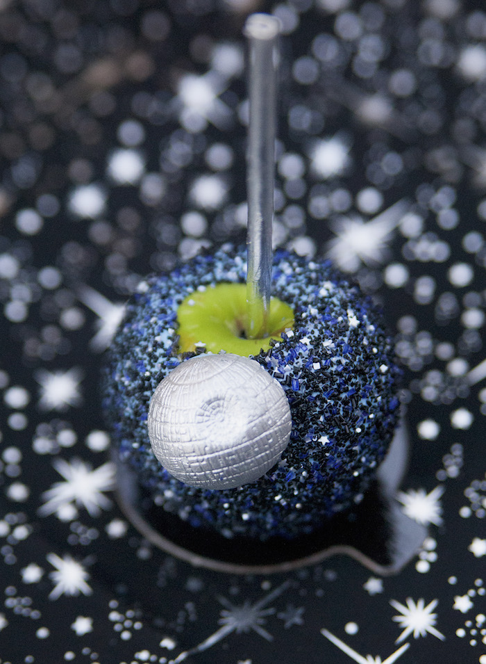 Dipped caramel apple from a Star Wars Birthday Party on Kara's Party Ideas | KarasPartyIdeas.com (32)