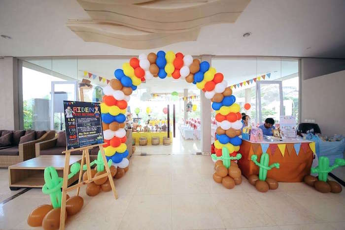 Balloon arch entrance from a Toy Story Birthday Party on Kara's Party Ideas | KarasPartyIdeas.com (17)