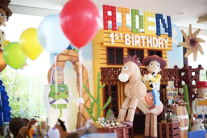 Dessert spread + party backdrop from a Toy Story Birthday Party on Kara's Party Ideas | KarasPartyIdeas.com (19)