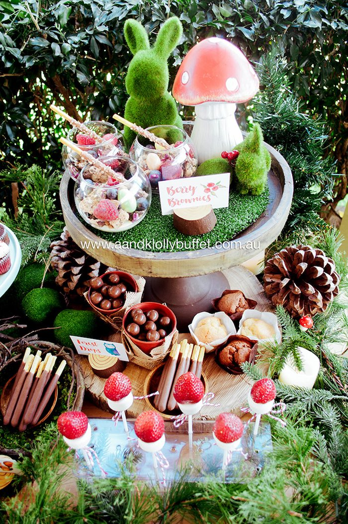 woodland sweets treats from a woodland forest baby shower via kara 39