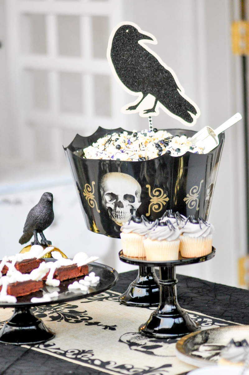 Kara's Party Ideas Spooky Boneyard Halloween Party | Kara's Party ...