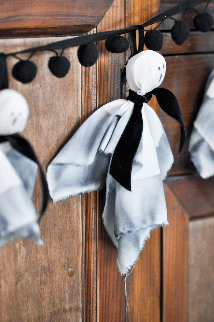 diy-ghost-halloween-garland-by-karas-party-ideas-kara-allen-22