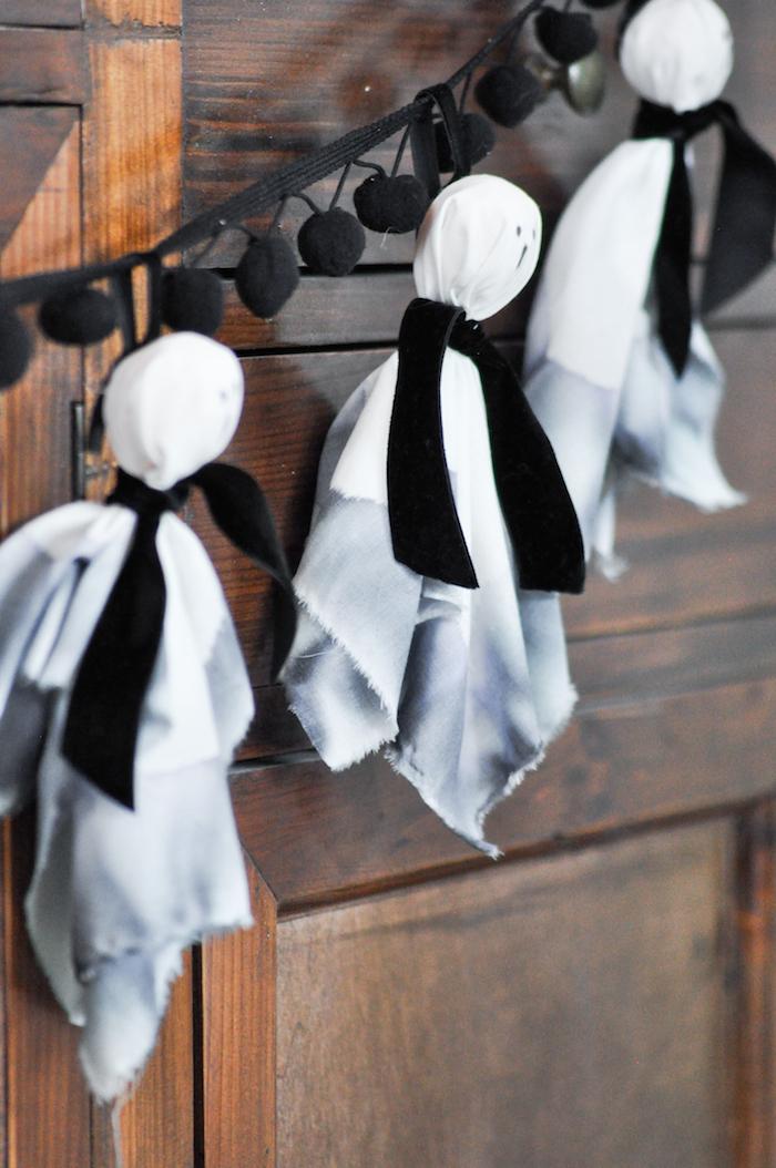 Kara 39 s party ideas diy halloween ghost garland kara 39 s for Halloween girlande