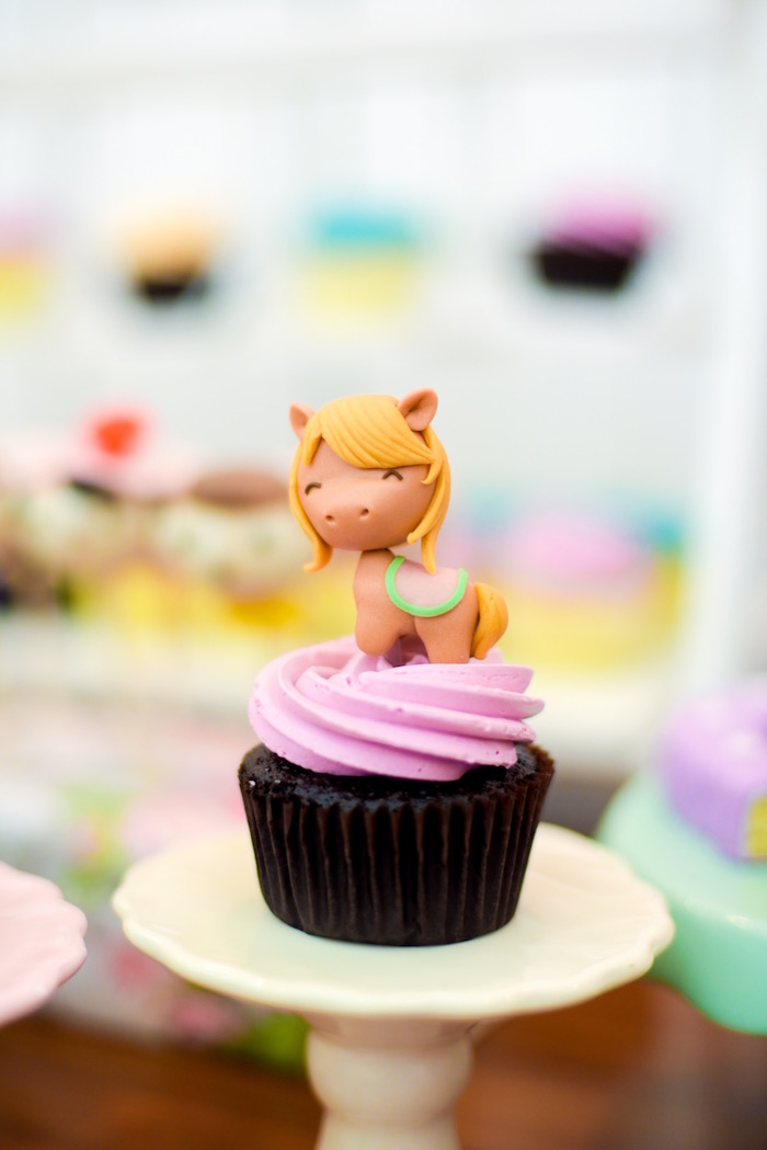 Derby horse cupcake from a Horse Derby Birthday Party on Kara's Party Ideas | KarasPartyIdeas.com (9)