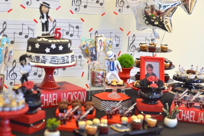Sweet tablescape from a Michael Jackson Birthday Party on Kara's Party Ideas | KarasPartyIdeas.com (3)