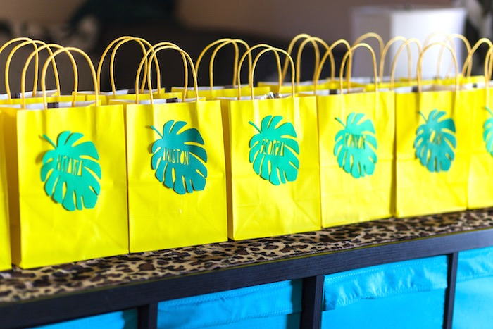Yellow & green palm leaf favor bags from a Minions Gone Bananas Birthday Party on Kara's Party Ideas | KarasPartyIdeas.com (41)
