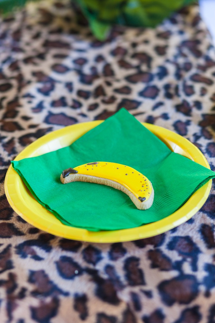 Banana cookie + place setting from a Minions Gone Bananas Birthday Party on Kara's Party Ideas | KarasPartyIdeas.com (16)
