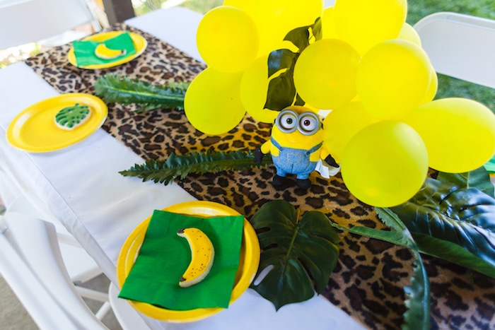 Guest tablescape from a Minions Gone Bananas Birthday Party on Kara's Party Ideas | KarasPartyIdeas.com (13)