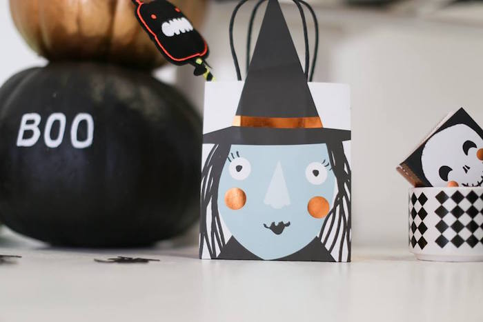 Glam witch favor bag from a Modern Glam Halloween Party for Kids on Kara's Party Ideas | KarasPartyIdeas.com (11)