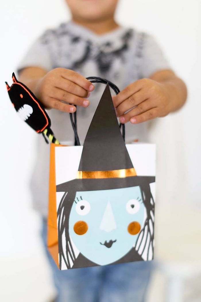 Glam witch bag from a Modern Glam Halloween Party for Kids on Kara's Party Ideas | KarasPartyIdeas.com (22)