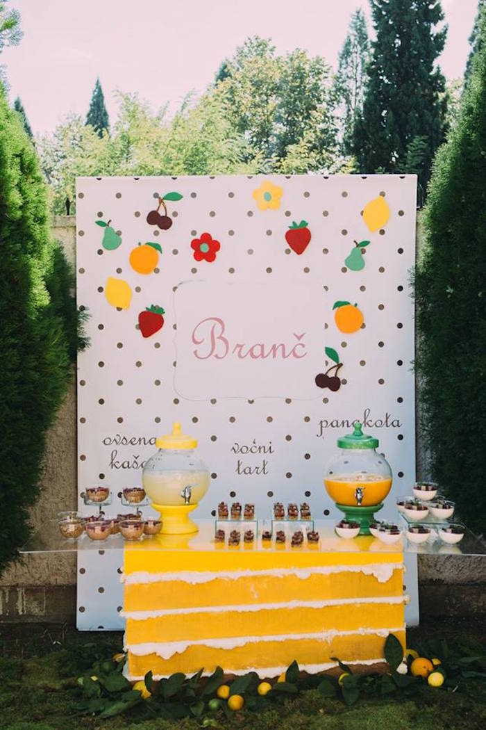 Kara 39 s party ideas outdoor brunch birthday party kara 39 s for Outdoor brunch decorating ideas
