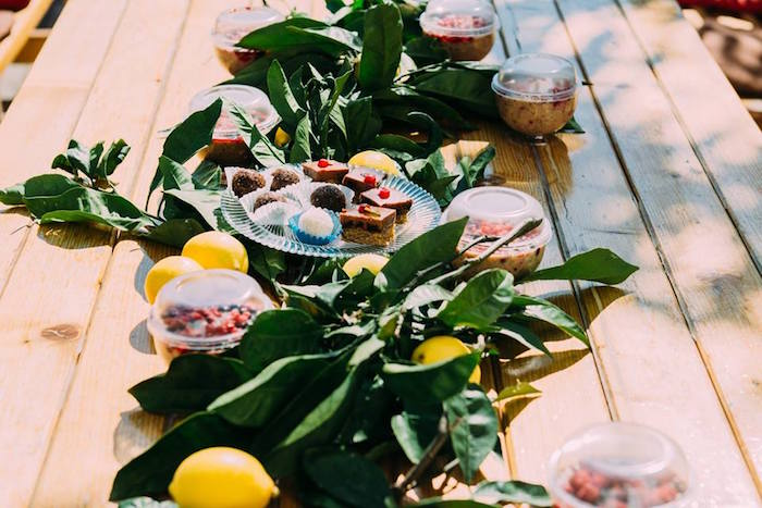 Guest tablescape from an Outdoor Brunch Birthday Party on Kara's Party Ideas | KarasPartyIdeas.com (21)