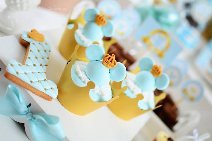 Royal Mickey Mouse Cupcakes from a Royal Mickey Mouse Birthday Party on Kara's Party Ideas | KarasPartyIdeas.com (11)