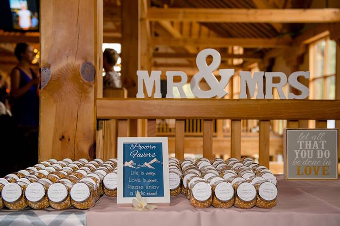 Mr Mrs Favor Table From A Rustic Chic Mountain Wedding On Kara S Party Ideas