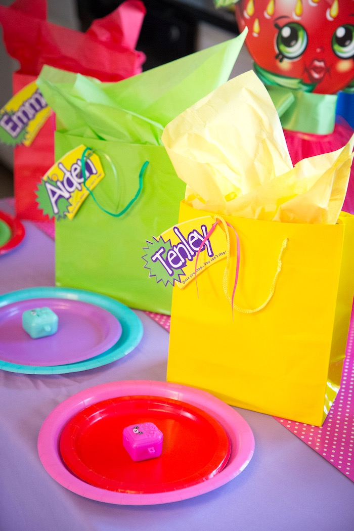 Personalized Shopkins favor bags + place settings from a Shopkins Birthday Party on Kara's Party Ideas | KarasPartyIdeas.com (5)