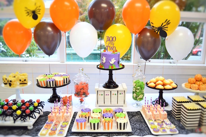 Sweet tablescape from a Spooktacular Halloween Birthday Party on Kara's Party Ideas | KarasPartyIdeas.com (27)