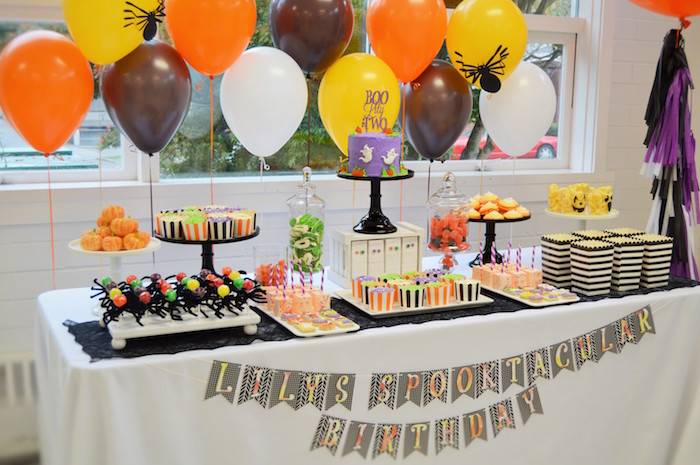 spooktacular halloween birthday party on karas party ideas karaspartyideascom 7 - Halloween Birthday Party Ideas