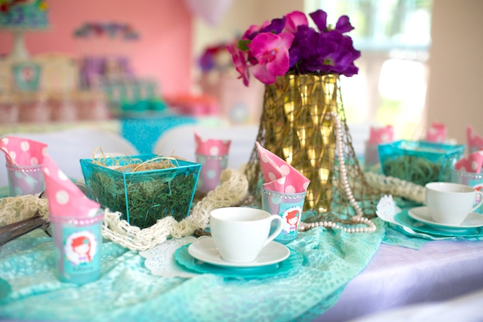 Guest tablescape from a Little Mermaid Birthday Party on Kara's Party Ideas | KarasPartyIdeas.com (18)
