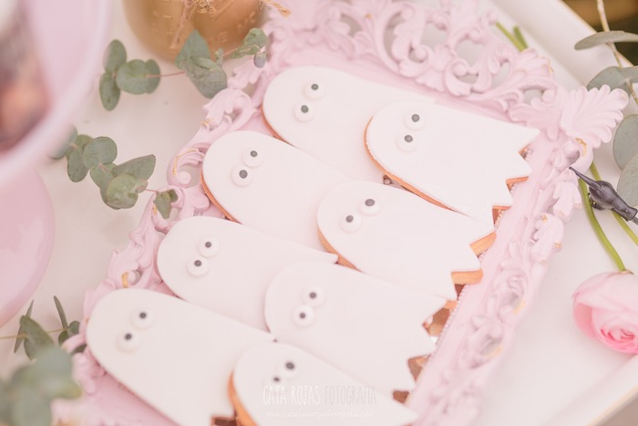 Ghost cookies from a Trick or Treat in Halloween Party on Kara's Party Ideas | KarasPartyIdeas.com (7)