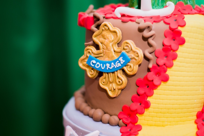 Cowardly Lion cake detail from a Wizard of Oz Birthday Party on Kara's Party Ideas | KarasPartyIdeas.com (23)