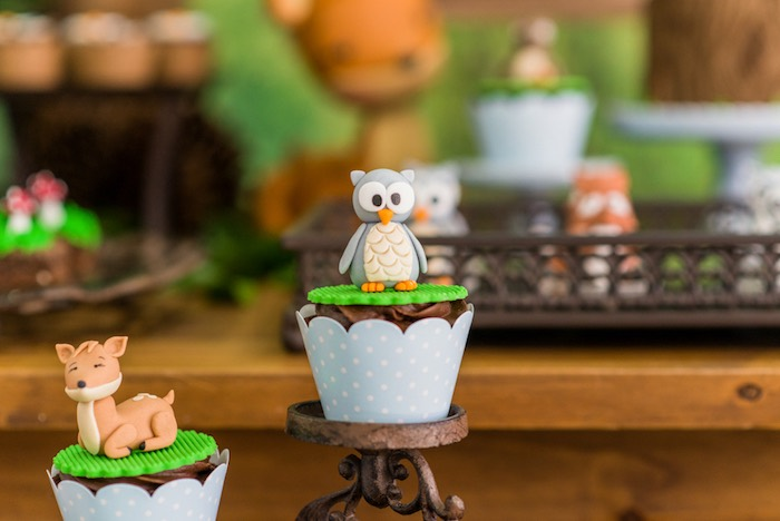 Forest animal cupcakes from an Enchanted Forest Birthday Party on Kara's Party Ideas   KarasPartyIdeas.com (38)