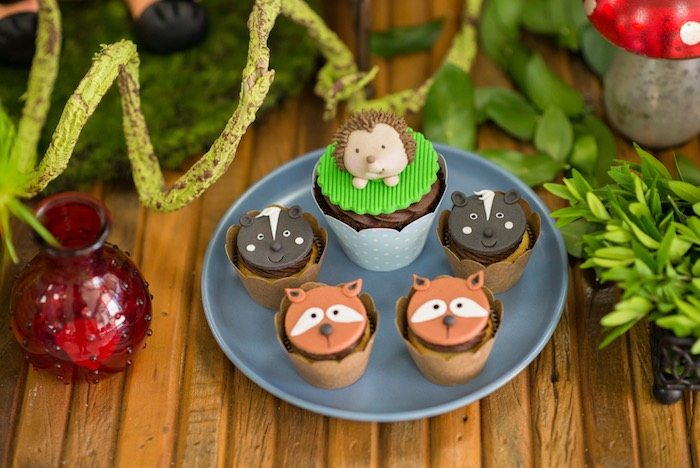Woodland cupcakes from an Enchanted Forest Birthday Party on Kara's Party Ideas   KarasPartyIdeas.com (37)