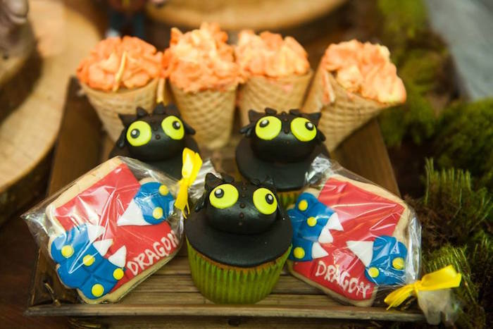 Toothless cupcakes from a How to Train Your Dragon Birthday Party on Kara's Party Ideas | KarasPartyIdeas.com (43)