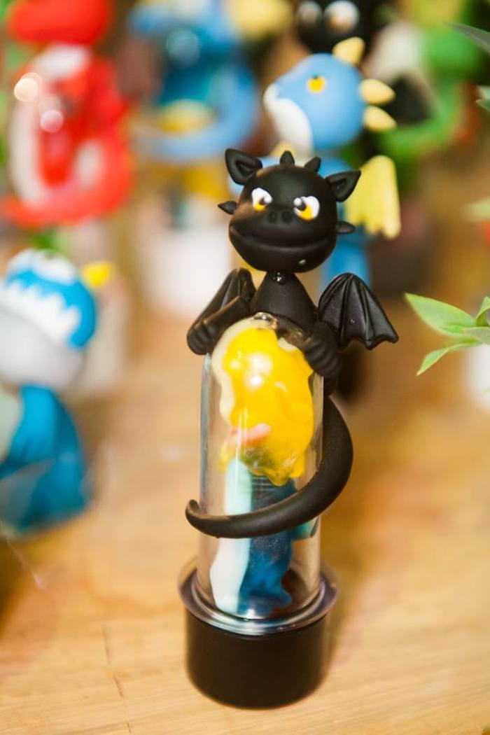 Toothless favor tube from a How to Train Your Dragon Birthday Party on Kara's Party Ideas | KarasPartyIdeas.com (13)