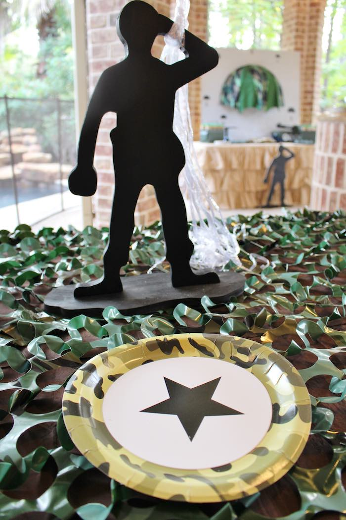 Army plate place setting from a Military Toy Soldier Birthday Party on Kara's Party Ideas | KarasPartyIdeas.com (5)