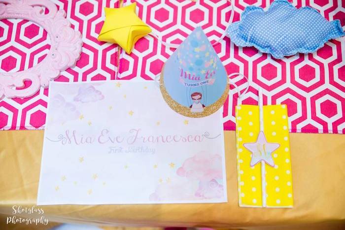 Place setting from an Our Little Star Birthday Party on Kara's Party Ideas | KarasPartyIdeas.com (13)