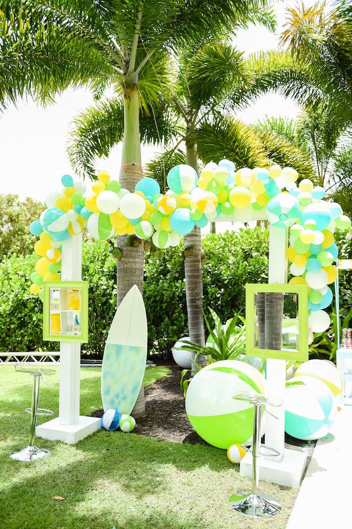 Kara 39 s party ideas surf 39 s up beach birthday party kara 39 s - Beach theme decorating ideas ...