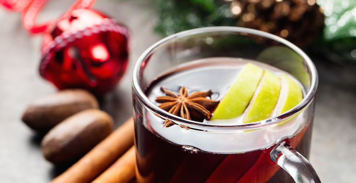 Holiday Cranberry Apple Cider Punch Recipe via Kara's Party Ideas | Kara Allen | KarasPartyIdeas.com Perfect for family Christmas parties!