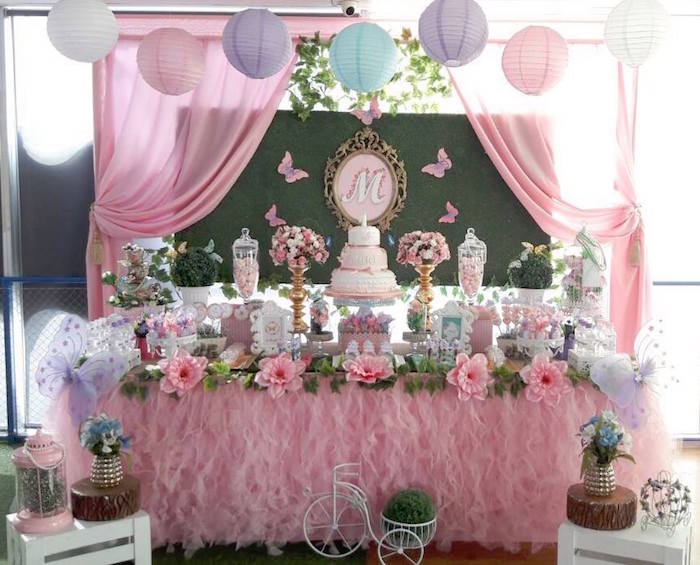 Kara 39 s party ideas beautiful butterfly birthday party for Baby girl birthday party decoration ideas