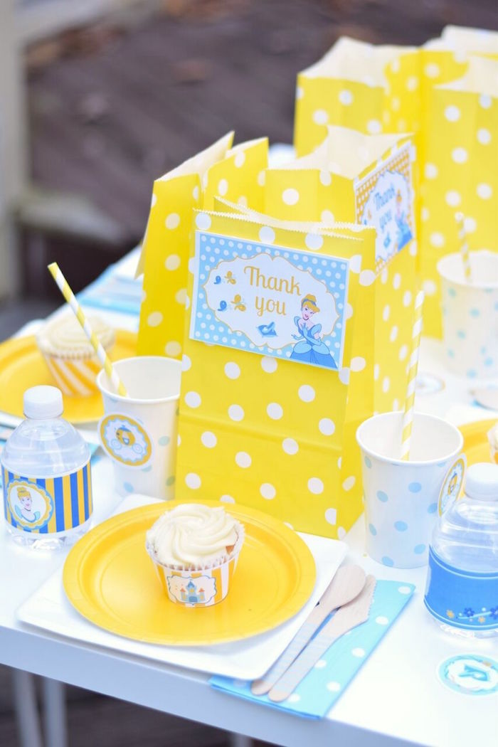 Place setting from a Cinderella Birthday Party on Kara's Party Ideas | KarasPartyIdeas.com (16)