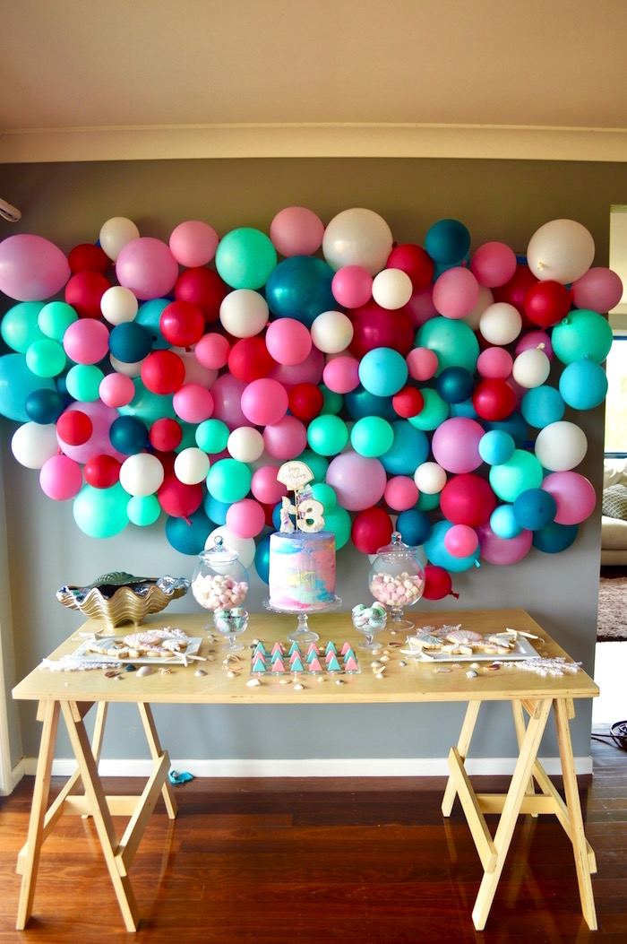Kara 39 s party ideas colorful mermaid birthday party kara for Balloon decoration on wall for birthday