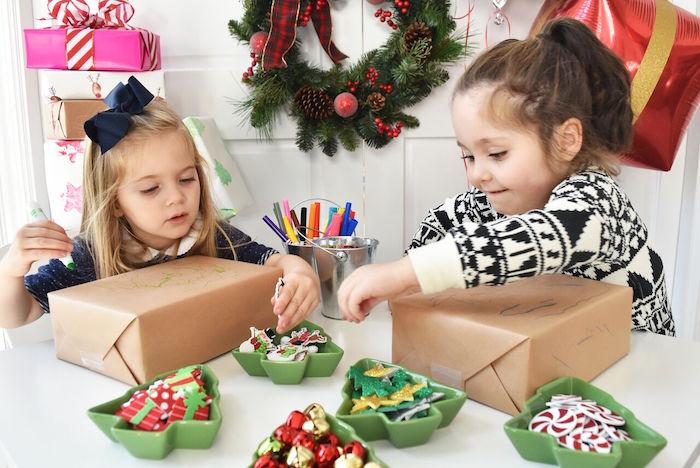 DIY Holiday Gift Wrap Ideas on Kara's Party Ideas | KarasPartyIdeas.com (32)