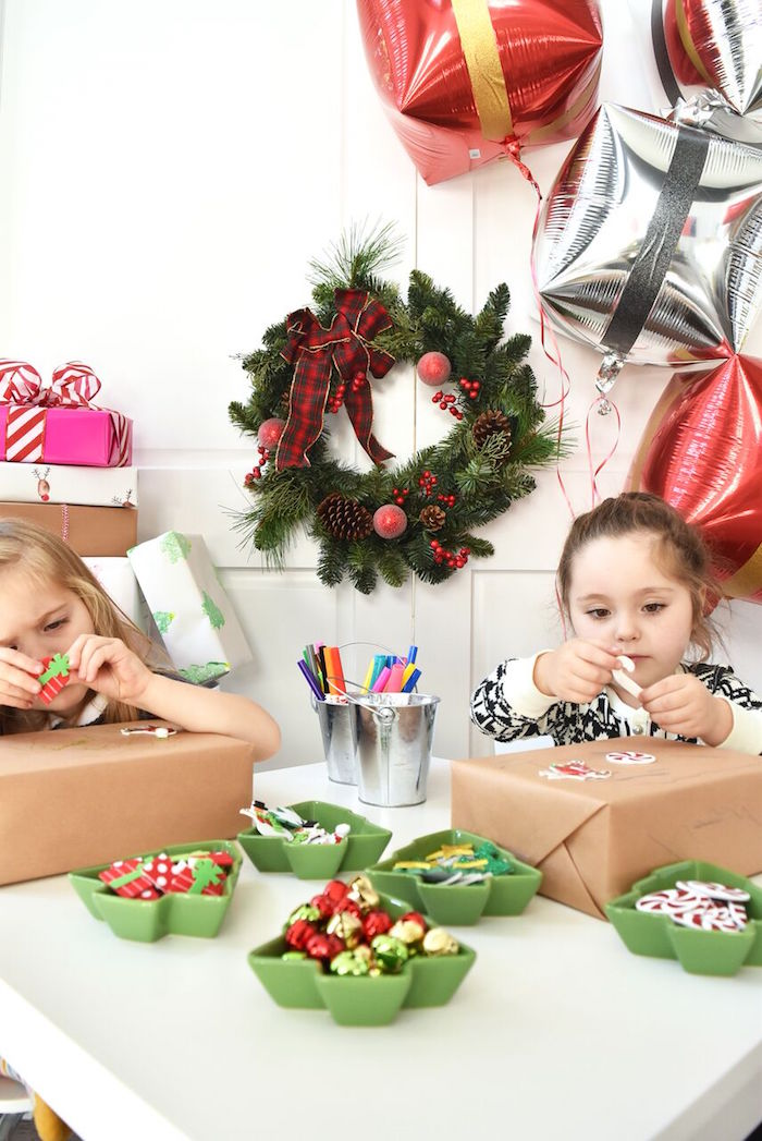 DIY Holiday Gift Wrap Ideas on Kara's Party Ideas | KarasPartyIdeas.com (31)