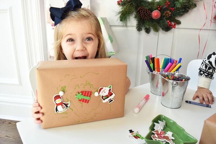 DIY Holiday Gift Wrap Ideas on Kara's Party Ideas | KarasPartyIdeas.com (28)