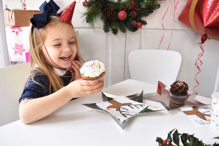 DIY Holiday Gift Wrap Ideas on Kara's Party Ideas | KarasPartyIdeas.com (7)