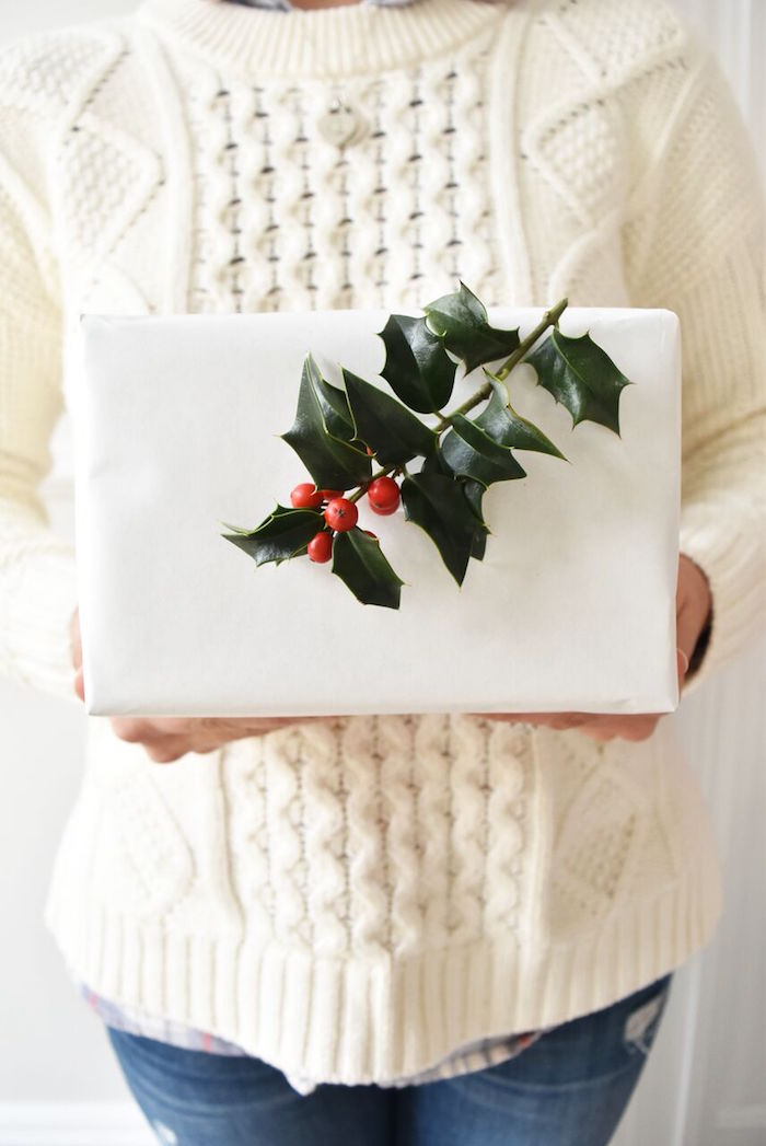 DIY Holiday Gift Wrap Ideas on Kara's Party Ideas | KarasPartyIdeas.com (2)