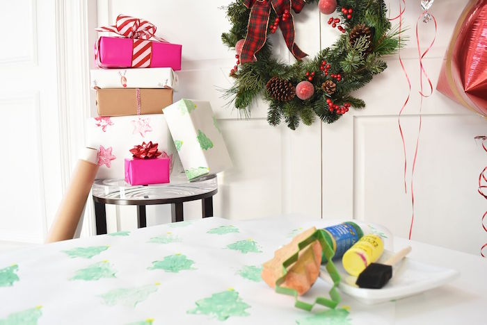 simple gift tables