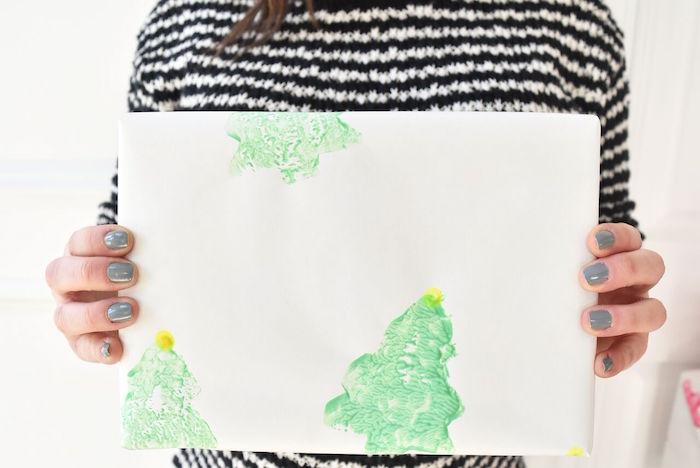 DIY Holiday Gift Wrap Ideas on Kara's Party Ideas | KarasPartyIdeas.com (39)
