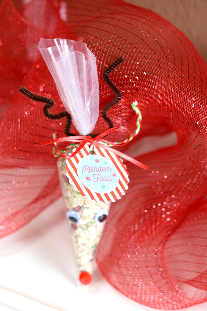 Reindeer food favor from a Gingerbread Decorating Holiday Christmas Party on Kara's Party Ideas | KarasPartyIdeas.com (29)