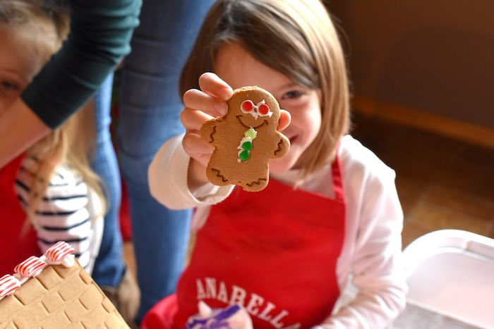Gingerbread Decorating Holiday Christmas Party on Kara's Party Ideas | KarasPartyIdeas.com (14)